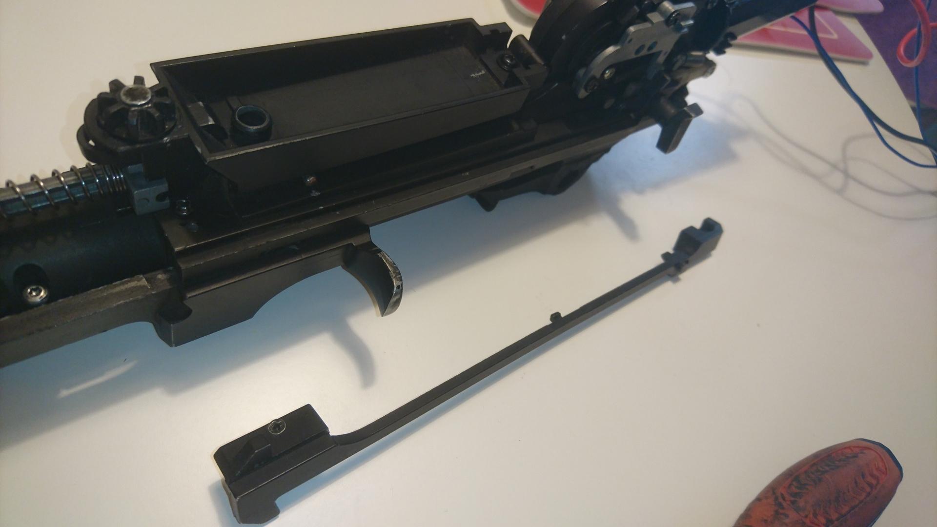 M14 socom 分解作業 パッキン交換 チャージングハンドル分解